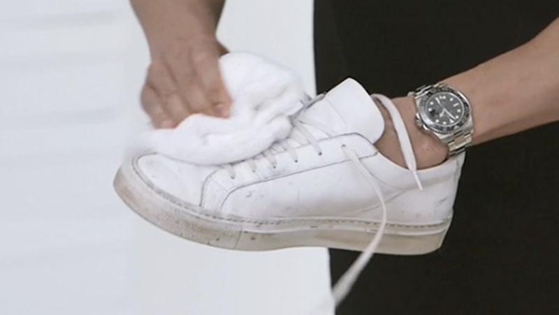 bao lâu thì nên giặt giày thể thao