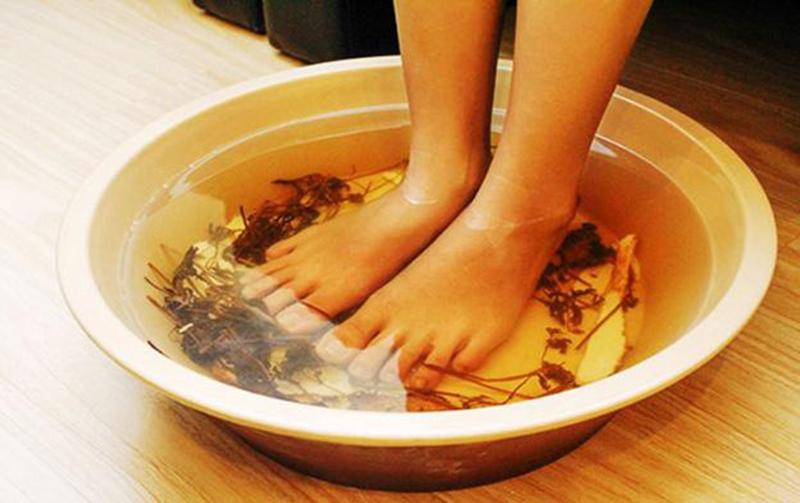 cách khử mùi hôi giày đơn giản mà hiệu quả