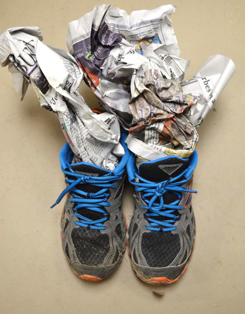 cách làm cho giày nhanh khô thần tốc, với các mẹo vô cùng đơn gian và hiệu quả