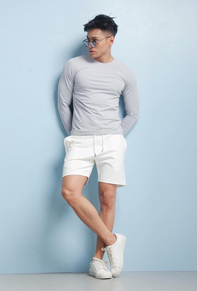 cách phối đồ với giày nike trắng, một trong những phong cách thời trang năng động trẻ trung
