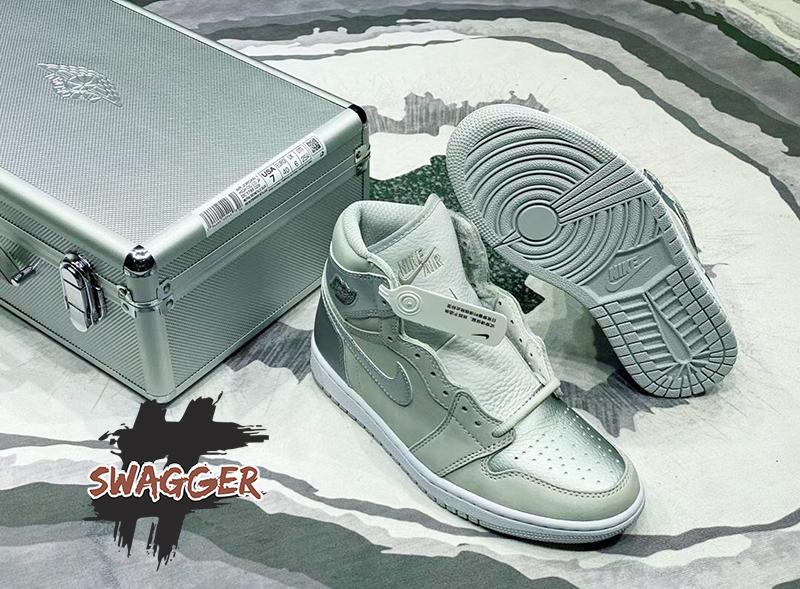Giày Nike Air Jordan 1 Retro High CO Japan Neutral Grey (Suitcase) Pk God Factory sử dụng chất liệu chính hãng chuẩn 99% full box và phụ kiện