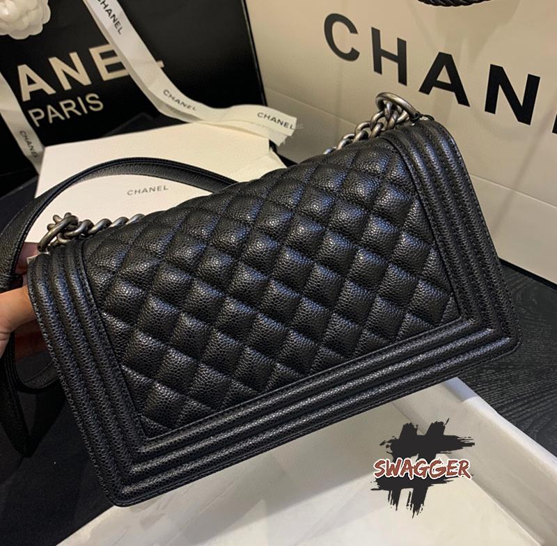 Túi Xách Chanel Boy Handbag Like Authentic, sử dụng chất liệu chính hãng, chuẩn 99% full box và phụ kiện