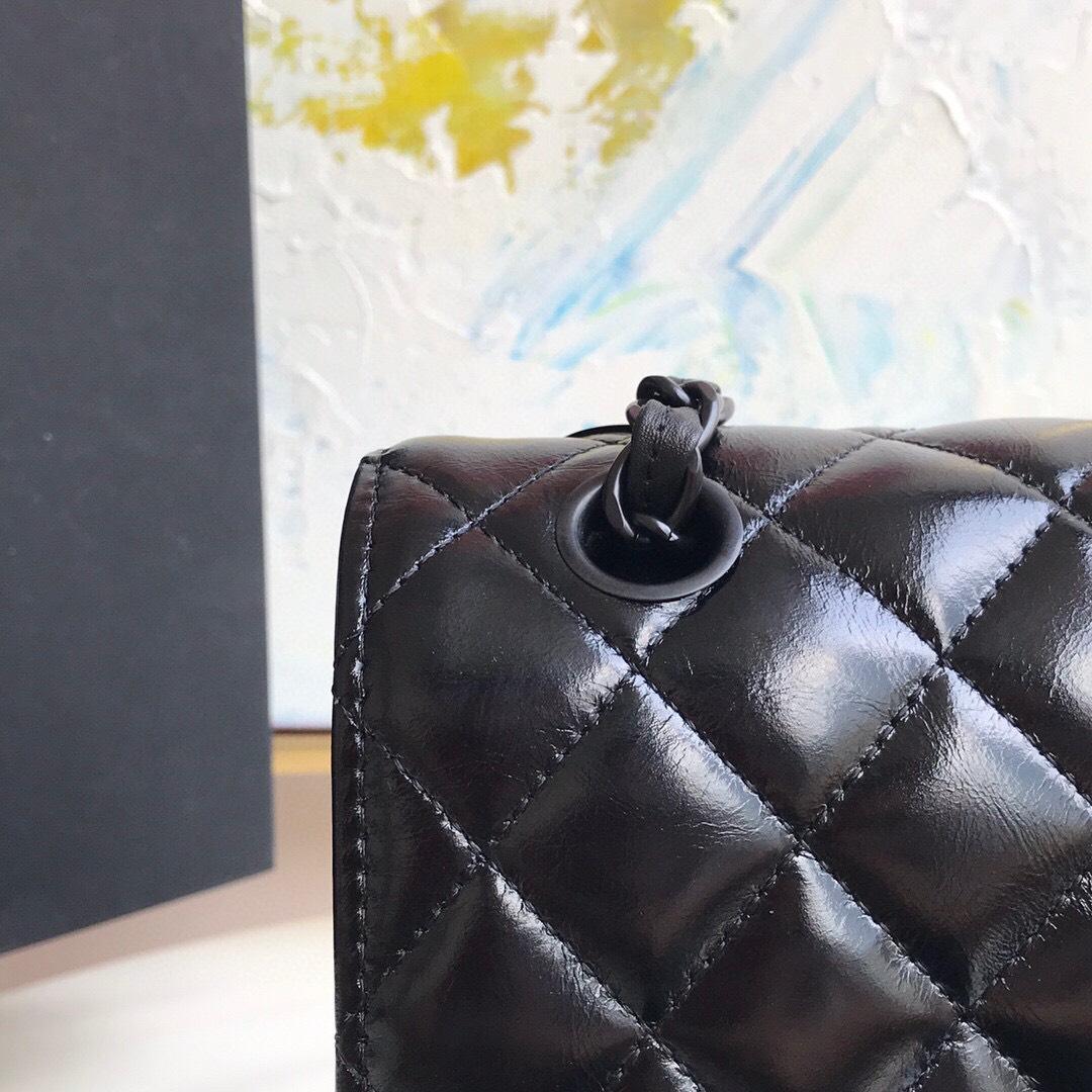 Túi Xách Chanel classic handbag Shiny Crumpled Calfskin Black Metal Black Like Authentic , sử dụng chất liệu chính hãng, chuẩn 99% full box và phụ kiện