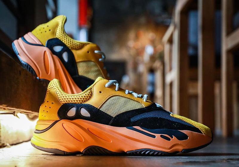 Giày Adidas Yeezy Boost 700 Sun - Thiết Kế Thượng Lưu Dành Cho Giới Trẻ
