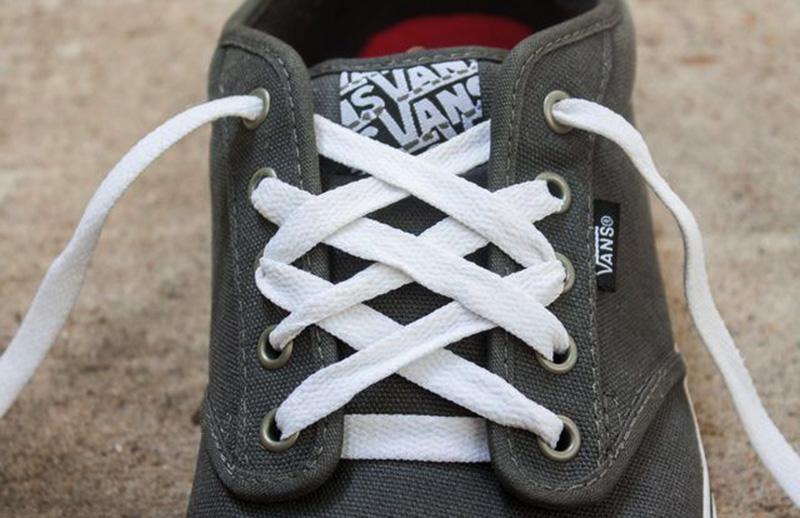 Chia Sẻ Kinh Nghiệm Cách Buộc Dây Giày Vans