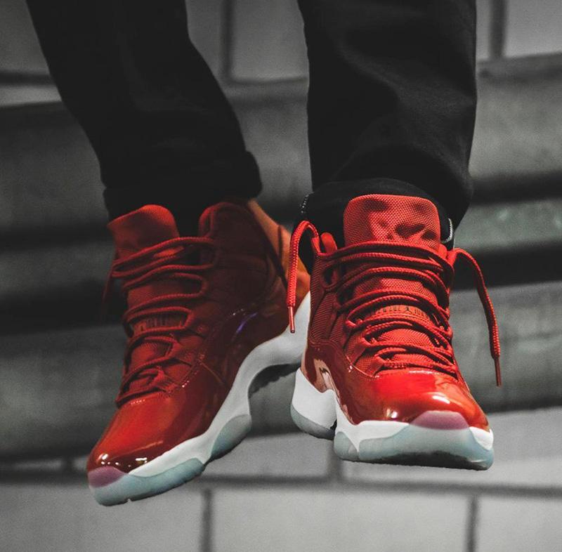 Những điều cần khám phá về mẫu thiết kế mới lạ giày Jordan 11 Red