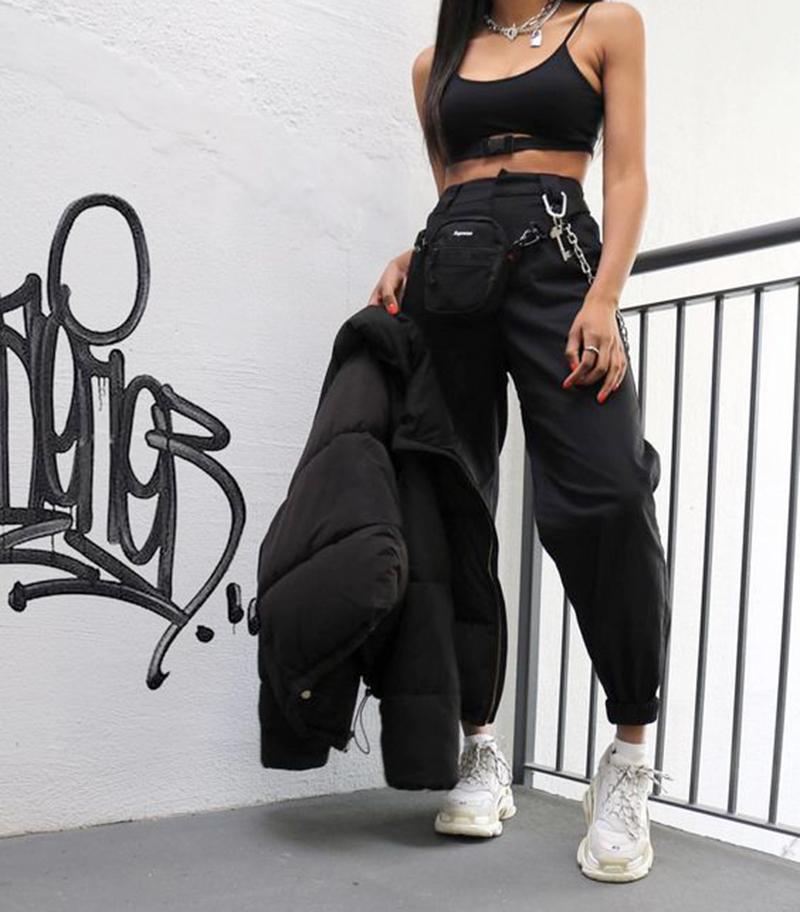 Cách Phối Đồ Với Giày Balenciaga Nữ Cá Tính