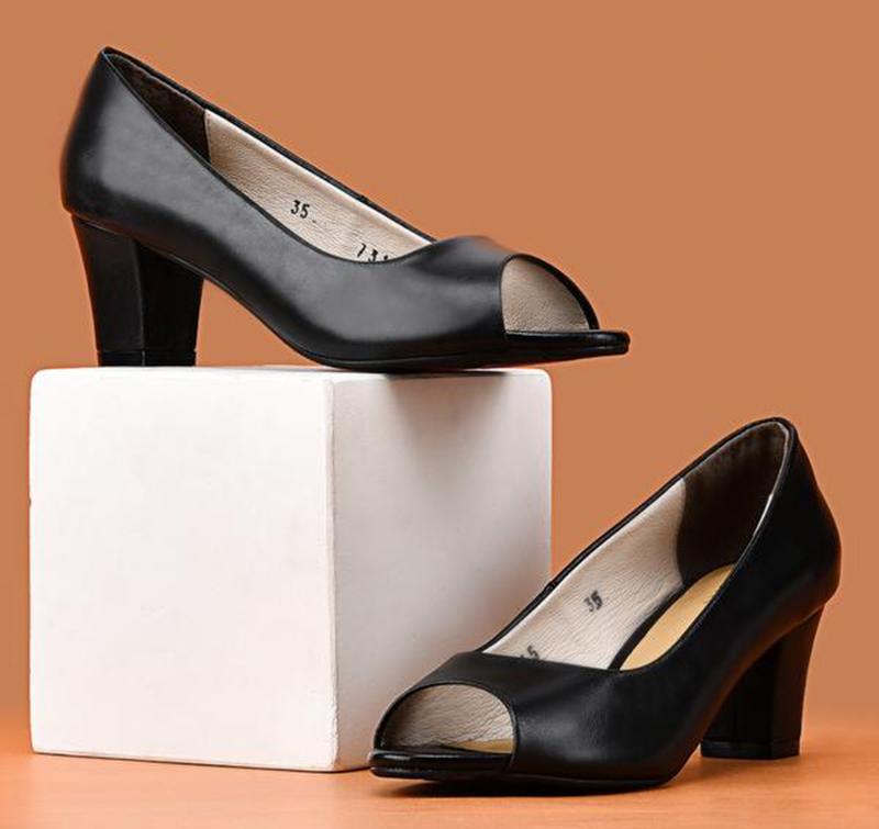 Những đôi giày cao gót đẹp không thể bỏ qua năm 2021