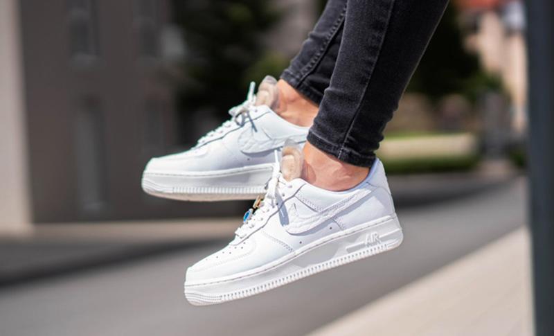 Những Đôi Giày Sneaker Nên Có Trong Tủ Giày Của Bạn