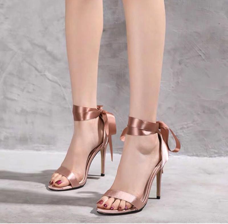 Xu Hướng Giày Thể Thao Nữ Đẹp Được Nhiều Bạn Trẻ Lựa Chọn