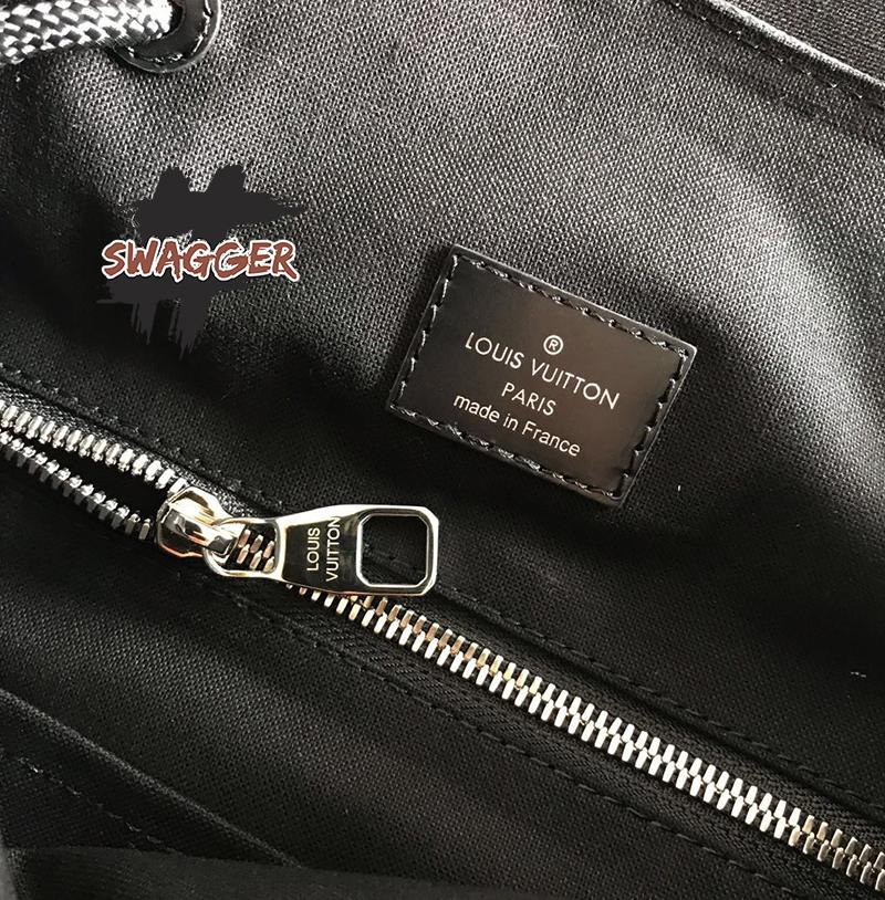 backpack Louis Vuitton Christopher Pm cavan like authentic sử dụng chất liệu chính hãng, sãn xuất hoàn toàn bằng thủ công, chất lượng tốt nhất