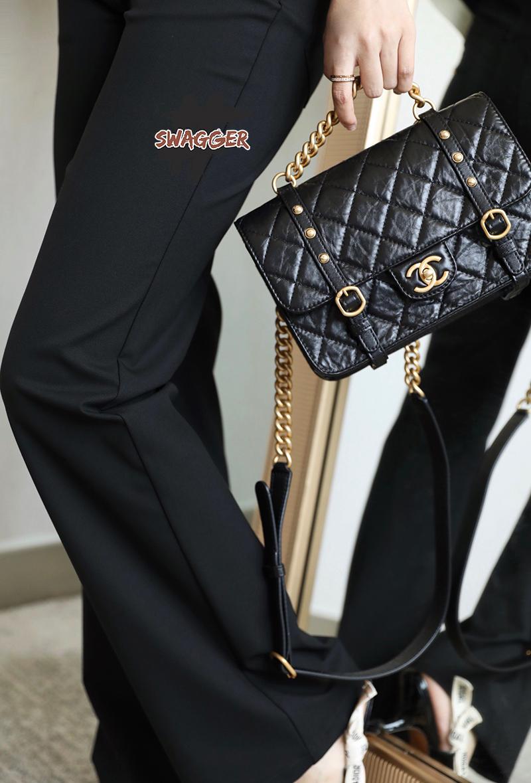 Chanel Flap Bag Aged Calfskin & Gold Tone Metal Black Like Authentic sử dụng chất liệu chính hãng, sản xuất bằng thủ công, tỉ mỉ từng chi tiết một khiến cho sản phẩm chuẩn 99% so với chính hãng, full box và phụ kiện, cam kết chất lượng tốt nhất. hỗ trợ trả góp 0% bằng thẻ tín dụng