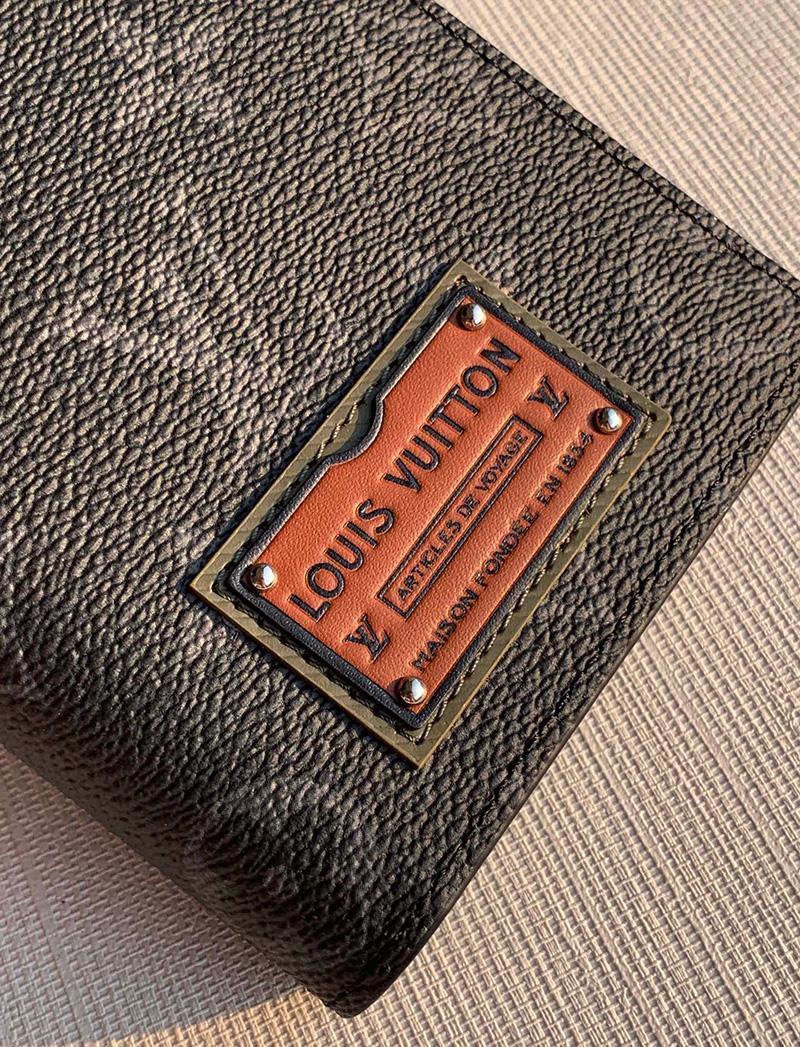 Ví Louis Vuitton Brazza Wallet Monogram Eclipse Like Authentic sử dụng chất liệu chính hãng, sản xuất hoàn toàn bằng thủ công, cam kết chất lượng tốt nhất hiện nay, full box và phụ kiện