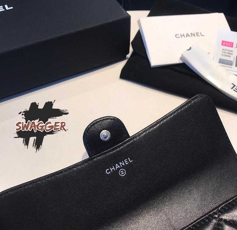 Chanel Classic Flap Wallet Black Lambskin Silver Tone Metal Like Authentic sử dụng chất liệu chính hãng, sản xuất hoàn toàn bằng thủ công, cam kết chất lượng tốt nhất, full box và phụ kiện