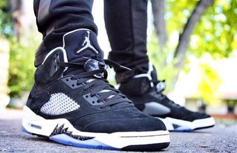 Jordan 5 Oreo AKA Moonlight sẻ ra mắt vào cuối năm nay, và đôi giày này có gì đặc biệt củng như mức giá của sản phẩm này là bao nhiêu ? sau đây là thông tin chi tiết về đôi giày đặc biệt này