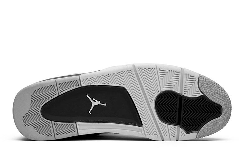 giày nike Jordan 4 Military Black pk god factory sử dụng chất liệu chính hãng, sản xuất hoàn toàn bằng thủ công, chuẩn 99% so với chính hãng, cma kết chất lượng tốt nhất hiện nay