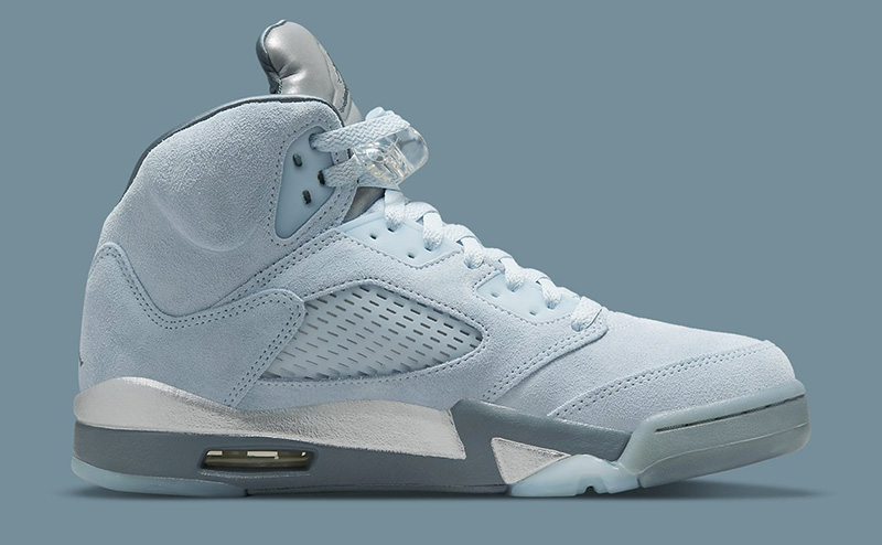Jordan 5 Blue Bird là một trong những đôi giày được thiết kế dành riêng cho phái đẹp, chúng ta cùng tìm hiểu đôi nét đặc biệt về đôi giày này có điểm gì mới trong thiết kế.